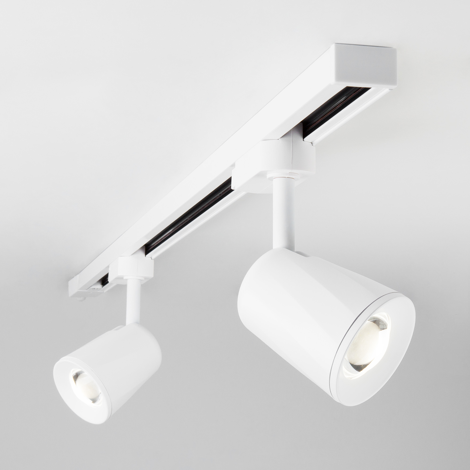 Трековый светодиодный светильник для однофазного шинопровода Joli Белый 9W 4200K LTB19